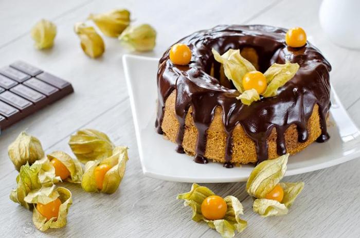 Bánh kem sinh nhật dễ thương cho bữa tiệc thêm phần ấm áp