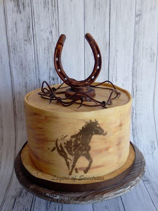 bánh sinh nhật hình con ngựa sống động như thật khiến bạn  lác mắt