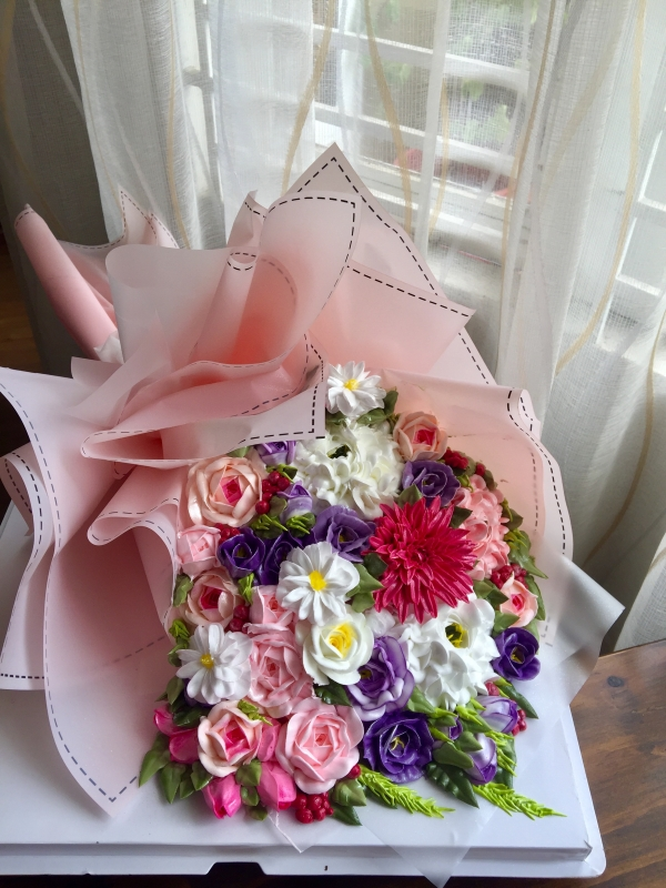 Bánh kem bó hoa mã 667