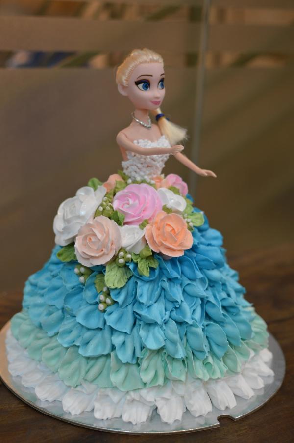 Bánh kem công chúa Elsa