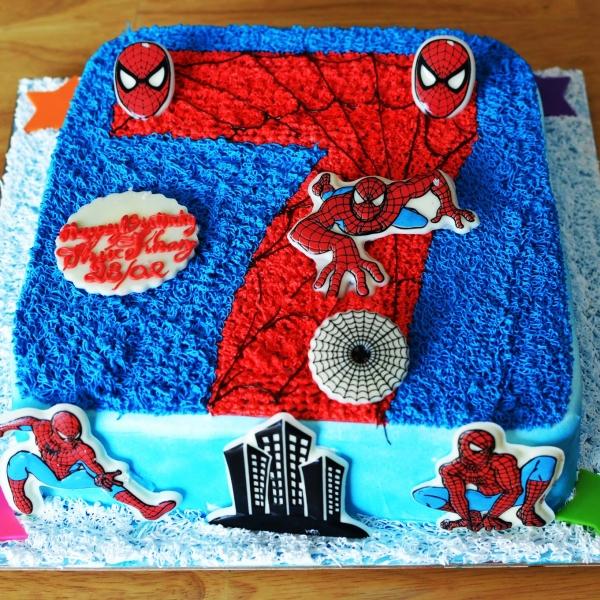 Bánh kem vẽ hình số 7 người nhện