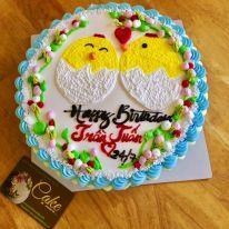 Bánh kem vẽ hình đôi gà con