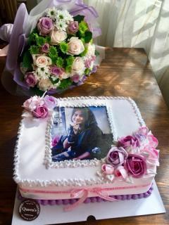 Combo 2 - Bánh kem 30cm x 27cm in hình và hoa tươi